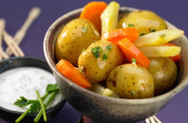 Ofenkartoffeln mit Kräuterjoghurt
