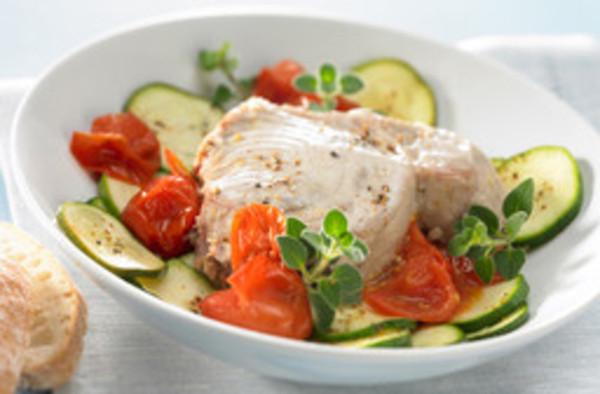 Thunfisch auf Kräutergemüse